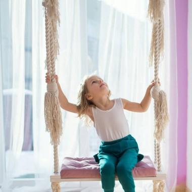 Huśtawka domowa dla dzieci w wielu wariantach kolorystycznychUdźwig do 100 kg. Idealny prezent na dzień dziecka