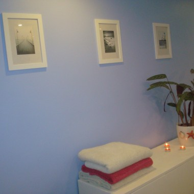 niebieska gościnna łazienka:)
