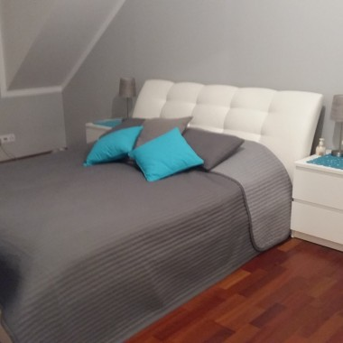 Szara sypialnia
