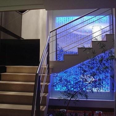 Ściana wodna bąbelkowa, ciekawy sposób na dekorację wnętrz.