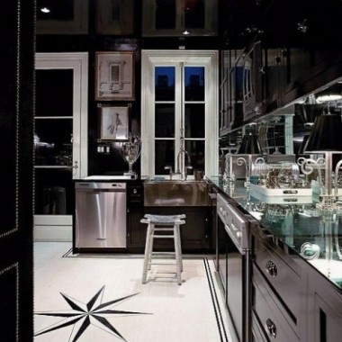 to galeria dla tych co lubia nowoczesne style, trendy w architekturze czy aranzacji wnetrz, ale nie tylko czasami kolor, faktura, a moze ustawienie sprzetow wzbudzi nasz zachwyt i przykuje na dluzej uwage ? zainspiruje do czegos nowego, do zmiany i poniekad stworzy nasz wlasny unikalny domowy styl .. kto wie ? ja jestem pod wrazeniem ciemnych kuchni czekoladowych ..