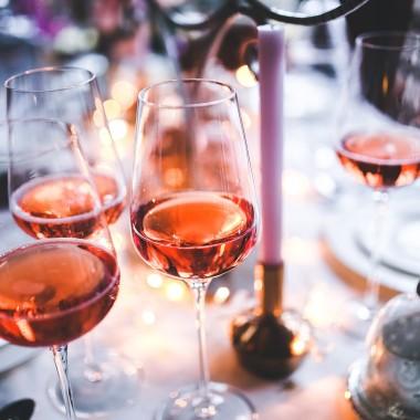 Winietki i naklejki na alkohol