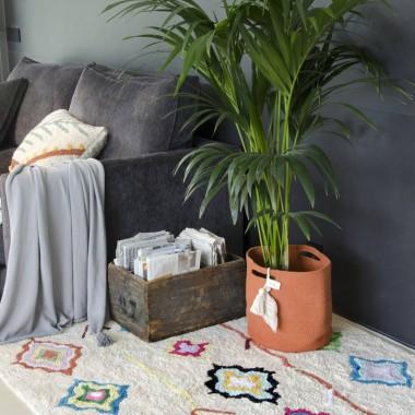 Dywan do prania w pralce KAAROL 140x 200 cm w stylu BOHO . Doskonale prezentuje się także w salonie czego dowodem jest to zdjęcie