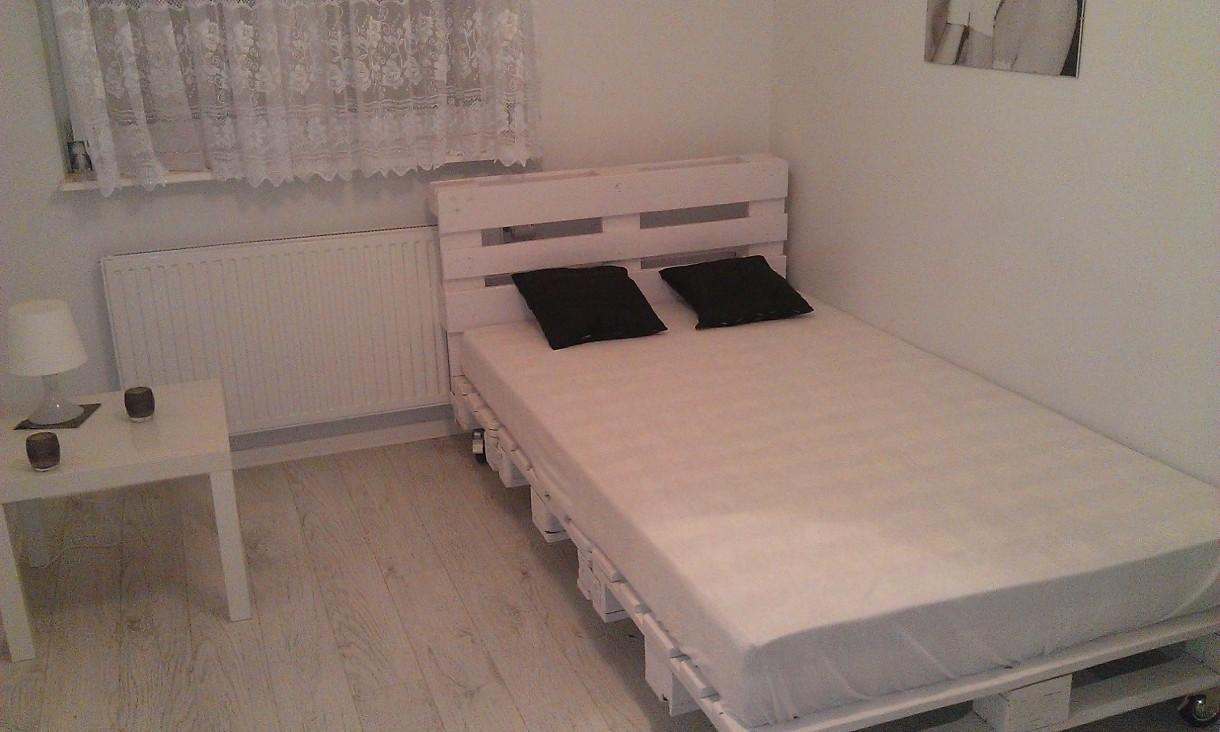 Mała Sypialnia łóżko Z Palet Deccoriapl