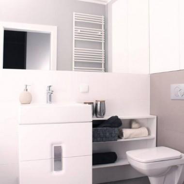 Nawet z niewielkim budżetem można ciekawie wykończyć mieszkanie na cele inwestycyjne. Oto nasza najnowsza realizacja 42-metrowego mieszkania na warszawskiej Woli! :) Jak Wam się podoba? Jesteście zainteresowani ofertą? Rzućcie okiem na naszą najświeższą sesję zdjęciową! :) Projekt: Klaudia Jastrzębska & Alina AndałaStylizacja: Joanna Łopusińska