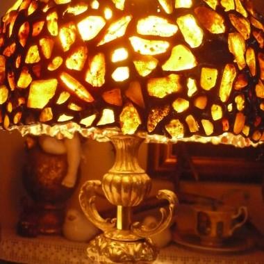 ...............i lampa bursztynowa............