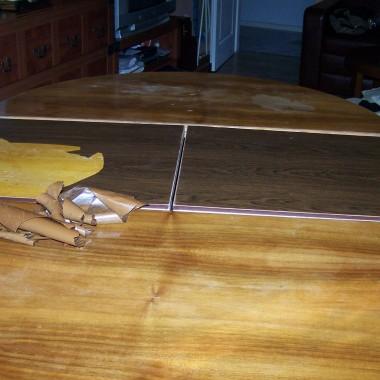 Stół w trakcie renowacji !