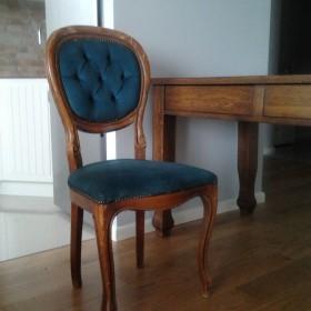 Co z tymi krzesłami?