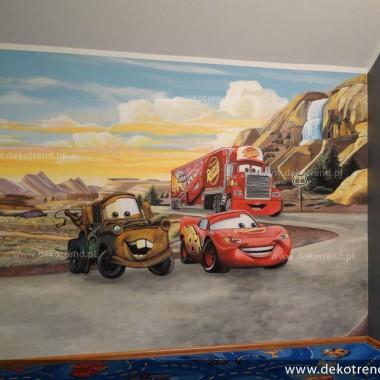 artystyczne malowanie ścian, malowidła ścienne, malunki na ścianie, pokój dziecięcy, pokój dla dziecka, pokój dla dziewczynki, pokój dla chłopca, dekoracja ścian, Auta, Zyg Zag