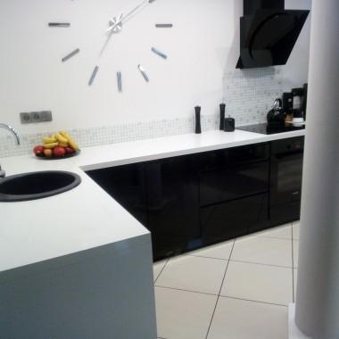 biel czerń minimalizm
