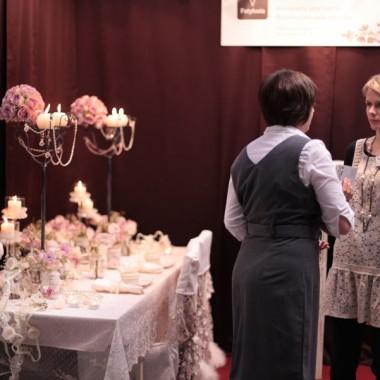W tej galerii chciałybyśmy przedstawić tekstylne dekoracje które przygowywałyśmy na zamówienie najlepszej naszym zdaniem firmy florystyczno-dekoratorskiej www.patykwia.plTworzą ją tak jak u nas 2 kobiety z pasją,dlatego współpraca z nimi jest dla nas zawsze wielką przyjemnością.