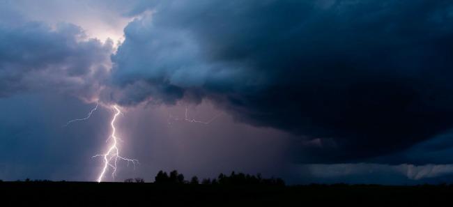 Jak nie chronić domu przed burzą?