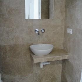 Toaleta z marmuru