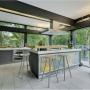 Domy sław, Dom Antonio Banderasa w Anglii na sprzedaż - Teraz dom wystawiono na sprzedaż za kwotę 2,95 mln funtów.  Fot.Rex Features/East News