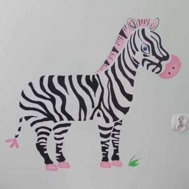 Malowanie ścian w pokoiku dziecięcym