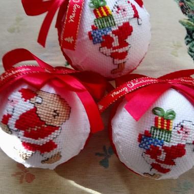 ..............i mikołaje z prezentami................
