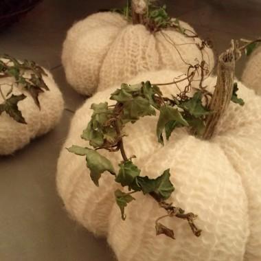 Ozdoby na jesień i helloween, dynie z wełny, rękodzieło.