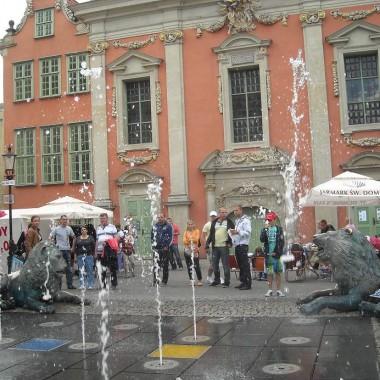 ...........i fontanna z lwami........