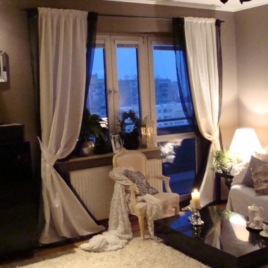 moja pierwsza galeria-a salon ma 1,5 roku...urządzony wspólnie z mężem,samodzielnie odnawiany stary fotel, tapicerowane krzesła czy malowane ściany