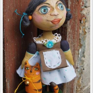 Lalki i dekoracje w stylu prymitywnym