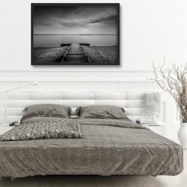 Romantyczny plakat w ramie, idealny do salonu bądź sypialni.