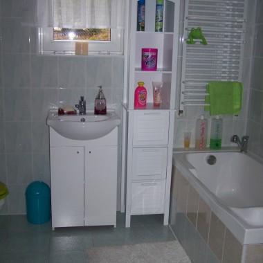 Łazienka w piwnicy (pralnia)