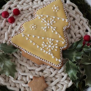 Choinki pastelowe - wielkość pierniczka ok.15 cmDostępne w tekturowym pudełku lub woreczku celofanowym