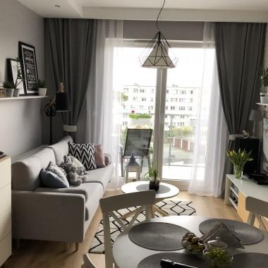 Przedstawiam mój nowy mały salonik w małym mieszkanku na trzecim piętrze&#x3B;)Pozdrawiam