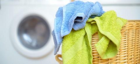 Jak prać ręczniki, by były miękkie jak nowe?