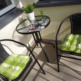 Mój skromny balkon :) .....słonko i pełen relaks :)