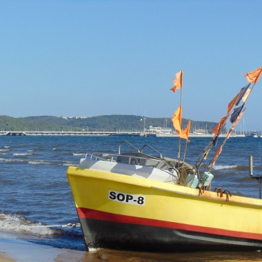 ..........i kolejny kuter na plaży...........