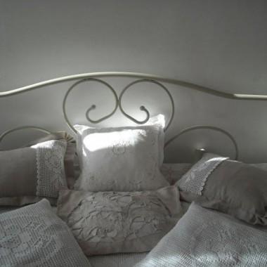 ............łóżko zastąpiło sofę............