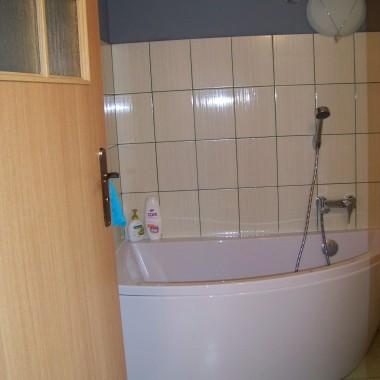 malutka łazieka przy sypialni na poddaszu :)