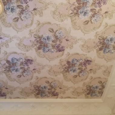 Tapetowanie sufitu papierową tapetą z dopasowaniem wzoru... jedno z największych wyzwań remontowych z jakimi przyszło mi się zmierzyć :)