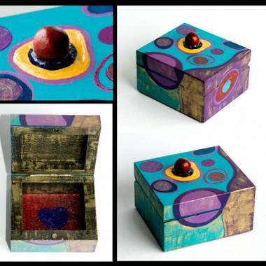 Ręcznie malowane przeze mnie przedmioty z drewna.Opisy i więcej różności na mojej stronce www.fotooko.pl . Serdecznie zapraszam!!!