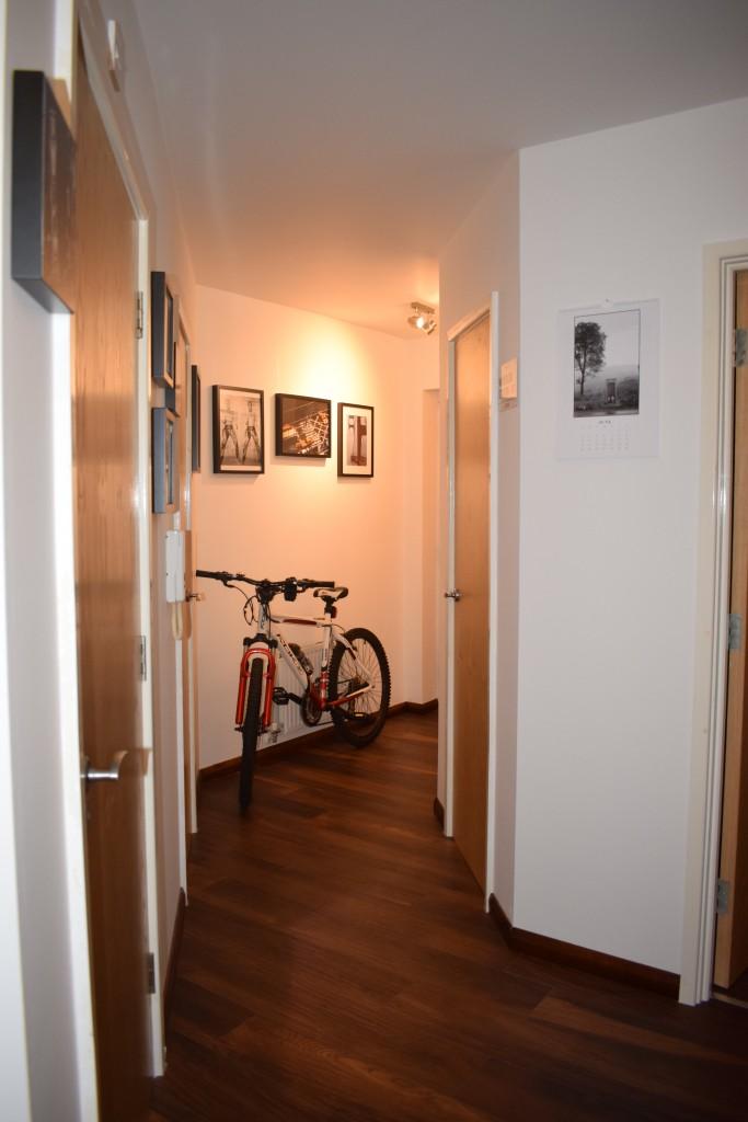 Salon, mieszkanie , kawaler - Przedpokoj