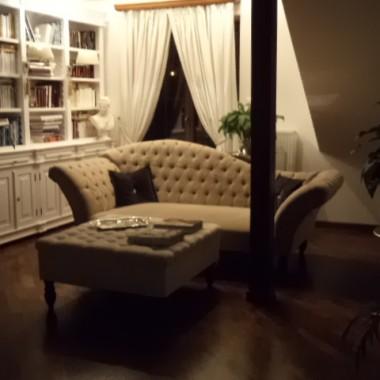 Książki, sofa i  ..... :)