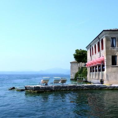 Zawsze gdy wracam z podróży mam nieodpartą ochotę zmian w domu. Natchnieniem jest dla mnie zawsze Italia, jej kolory, smaki, cała ta feeria barw i zapachów. A zimą siedząc w domowych pieleszach wspominam