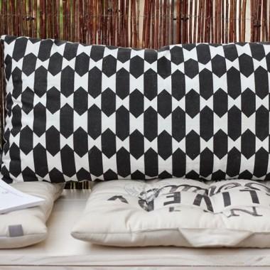 Wiklina, drewno, czerń i biel to dla mnie mariaż idealny &#x3B;-)