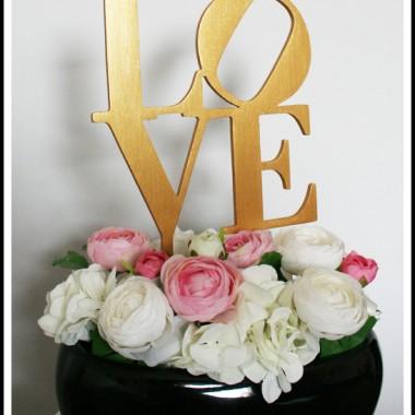 Jedna z naszych realizacji napisów wbijanych do kwiatów.