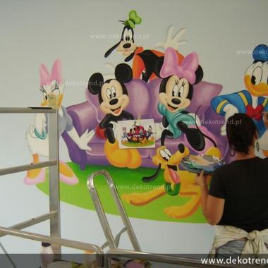 artystyczne malowanie ścian, malowidła ścienne, malunki na ścianie, pokój dziecięcy, pokój dla dziecka, pokój dla dziewczynki, pokój dla chłopca, pokój dla dziewczynki, dekoracja ścian, Kaczor Donald, Myszka Micky