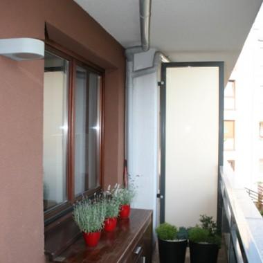 ...drobna zmiana, z pokoju córki zrobiliśmy typową sypialnie, i troszkę świeżej zieleni na balkonie :)