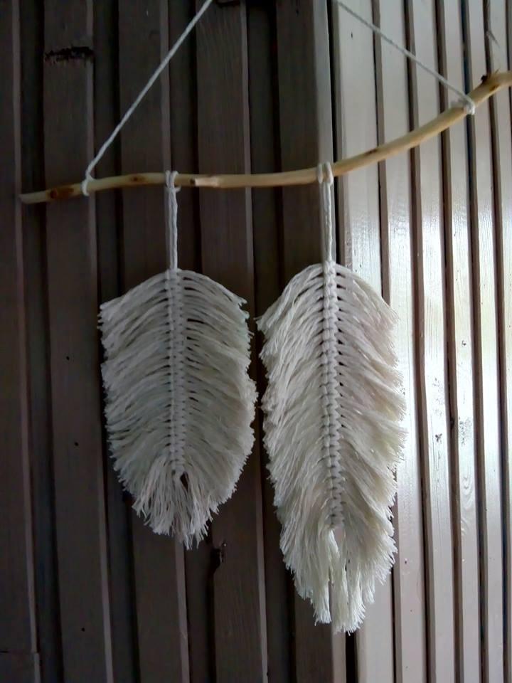 Dekoracje, pióra i ptaszki - Pióra ze sznurka