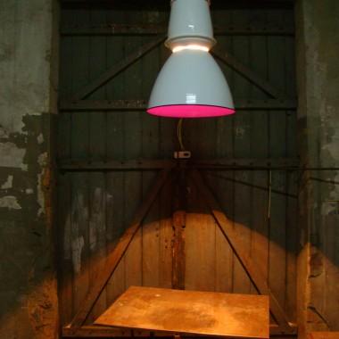 WHITE & VIOLET LAMP