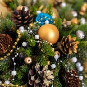 Samodzielnie wykonany stroik bożonarodzeniowy