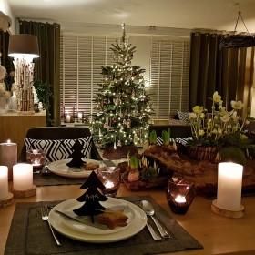 Świąteczny salon z jadalnią