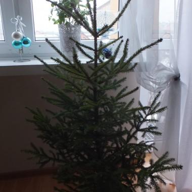 Raz do roku, pośród śniegu, każdy się zatrzyma w bieguby przy świetle świec świątecznym, usiąść w gronie swym  serdecznym.Pora składać więc życzenie w Noc Bożego Narodzenia,bowiem szczęście oraz zdrowie najważniejsze - każdy powie......Kochani,  wszystkim życzę  spokojnych i cudownychŚWIĄT  BOŻEGO NARODZENIA, oraz tego co najlepsze w nadchodzącym  NOWYM ROKU 2019
