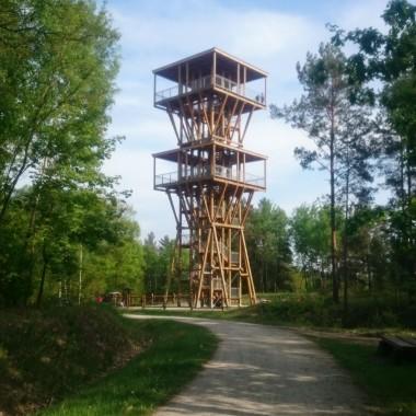 Rowerowo:))).... wszystko niedaleko od Łęknicy :)))Park Mużakowski Park rododendronów w Kromlau Most bazaltowy nad jeziorem RakotzseeGeościeżka - dawna kopalnia Babina i znajdujące się tam kolorowe jeziorka