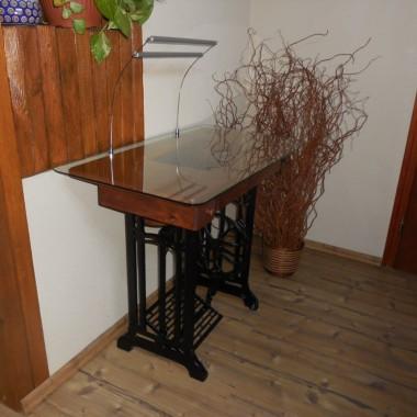 Niepowtarzalne biurko stara maszyna + oświetlenie LED