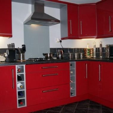 kuchnia czerwona high gloss